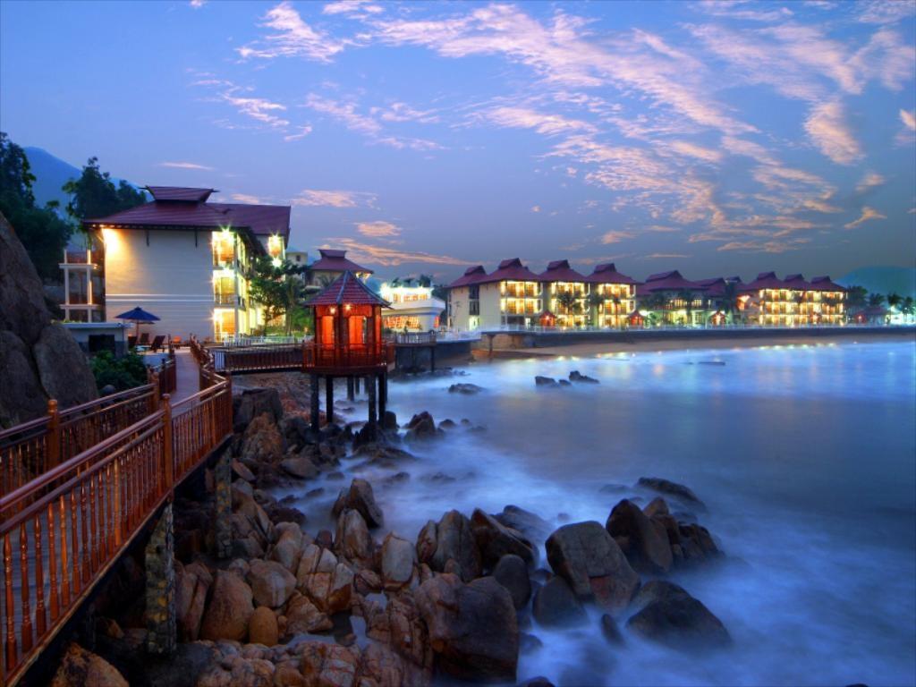 Khách sạn Royal Hotel And Healthcare Resort Quy Nhơn